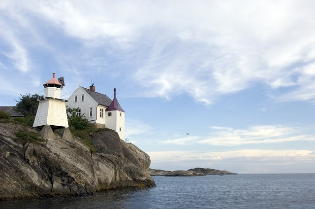 Would You Consider a Legendary Stay at a Lighthouse in Norway ?