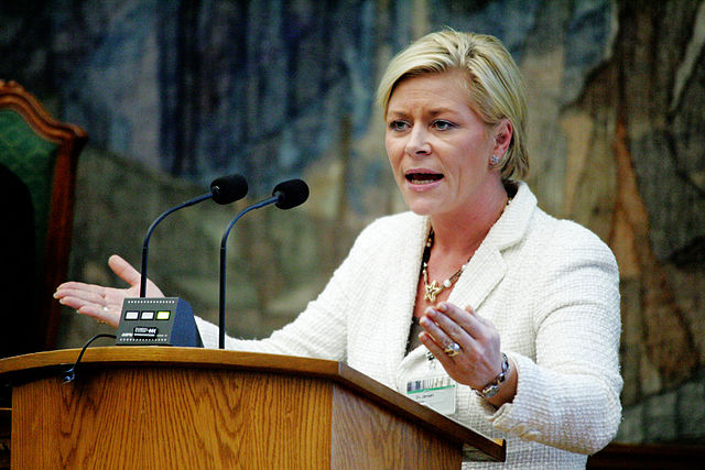 Siv Jensen Promises a Far Tougher FRP against Immigration for the Next Election in Norway