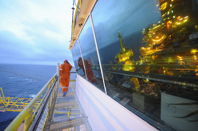 Norway�s Oil Giant Offers Severance Package to All Employees